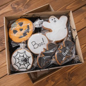 Halloween Food Gifting a Social Distancing Alternative to Trick-or-Treating